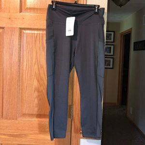 Fabletics NWT Gray Capri Leggings Mila High Waist